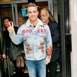 Robbie Williams zaradi bolezni odpovedal turnejo