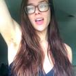 Mlada fitnes blogerka razkrila, zakaj si že eno leto ni obrila nog