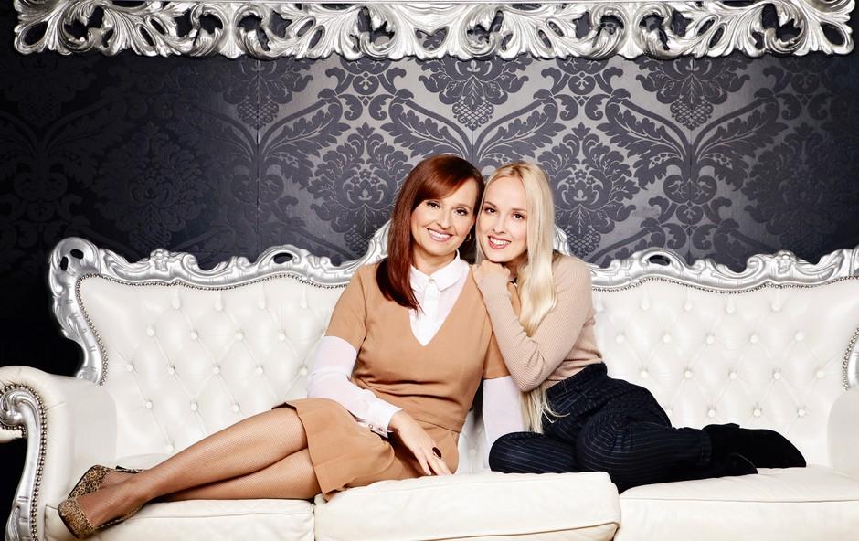 Nika Kljun in Janja Pušl, mama in hči: Ne pustiva se začarati uspehu (foto: Aleksandra Saša Prelesnik)