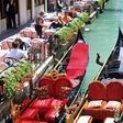 Skupina turistov v Benetkah poklicala policijo, ko so za štiri kosila dobili račun za 1.100 evrov!