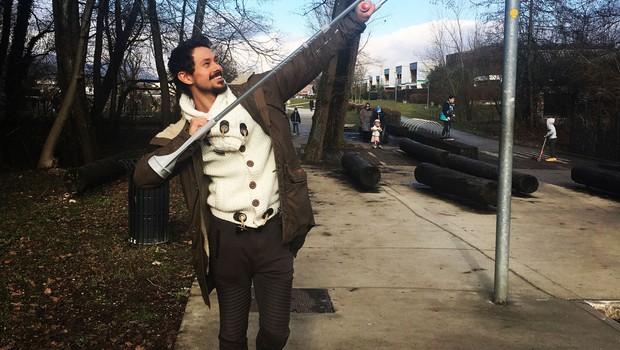 Plesalec Tomaž Šter je po treningu pristal na berglah (foto: Pop Tv)
