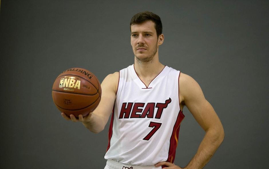Goran Dragić ostal brez all-star tekme, a se zato toliko bolj veseli dopusta z družino! (foto: profimedia)