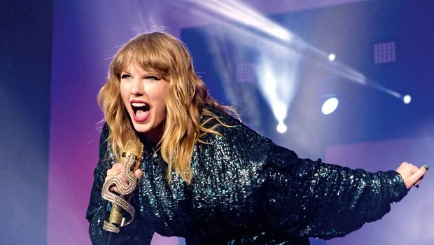 Taylor Swift presegla Michaela Jacksona po številu ameriških glasbenih nagrad (foto: Profimedia)