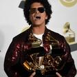Bruno Mars z grammyji za album, ploščo in pesem leta