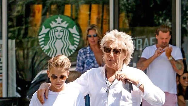Zvezdnik Rod Stewart velja za strogega očeta svojim osmim otrokom (foto: Profimedia)