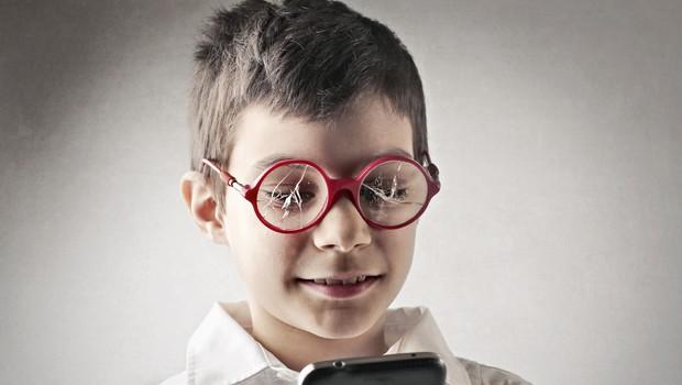 Digitalna tehnologija - je vaš otrok zasvojen z njo? (foto: Shutterstock)
