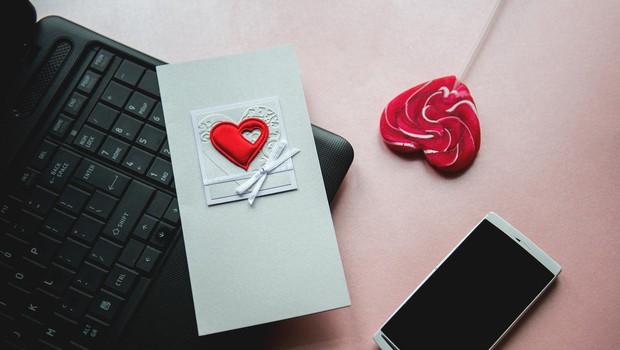 Neprijetna resnica: Vsak tretji na spletu vohuni za svojim partnerjem! (foto: profimedia)