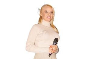 Pamela Anderson je bolj umirjena, a še nosi seksi perilo!