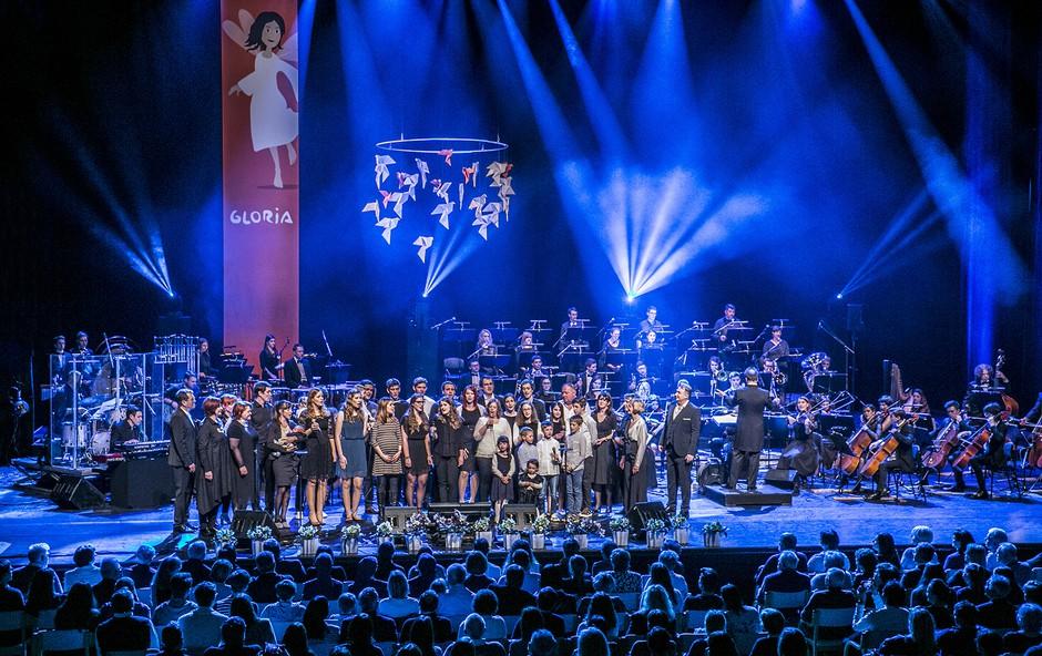 Desetminutne stoječe ovacije pospremile zadnji veliki koncert skupine Gloria (foto: Tina Ramujkić)