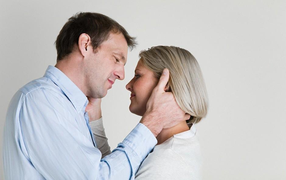 9 laži o ljubezenskem razmerju, v katere verjamejo samske ženske po 40. letu (foto: profimedia)