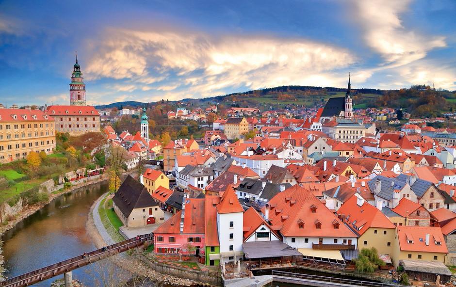 Spoznajte češki Krumlov - še dandanes je srednjeveško mesto (foto: Shutterstock)