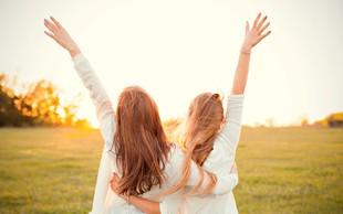 Knjiga Elene Ferrante Genijalna prijateljica: O pasteh ženskega prijateljstva