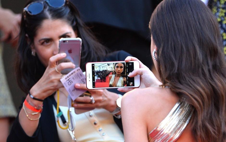 Canski festival prepovedal selfije na rdeči preprogi (foto: profimedia)
