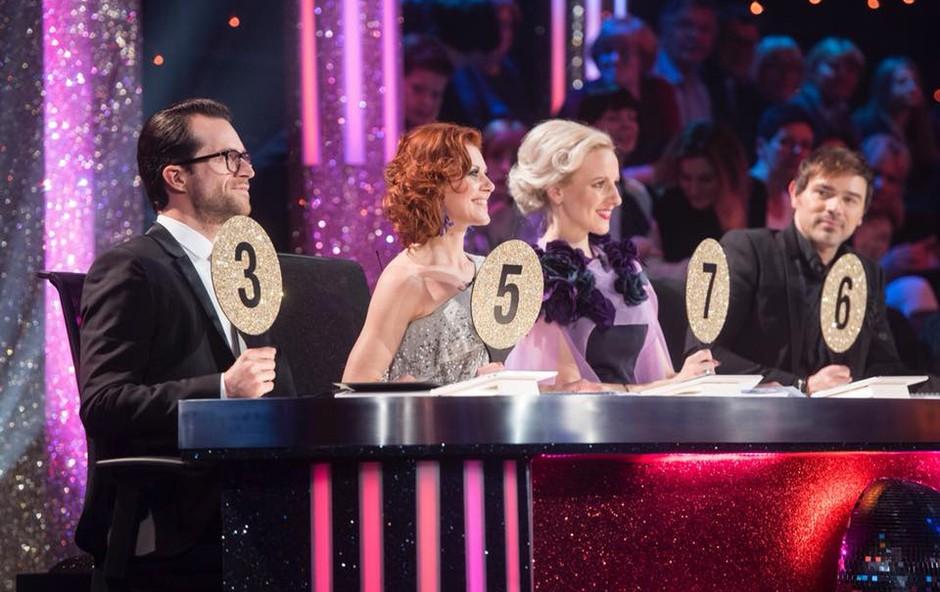 Zvezdniki šova Zvezde plešejo s spomini na prelomne trenutke svojega življenja (foto: Pop Tv)