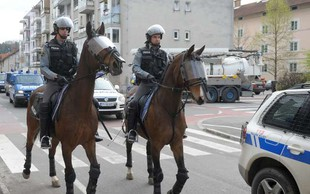 Zaradi sobotnega nogometnega derbija v Stožicah v pripravah tudi policisti!