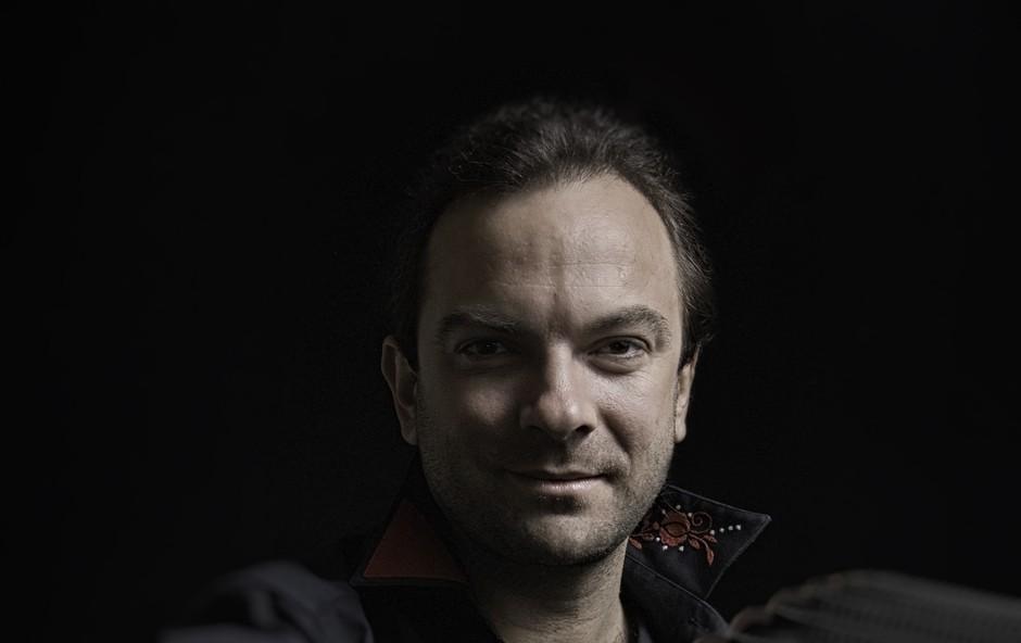 Marko Hatlak: 'Resda veljam za klasičnega glasbenika, toda moja duša je rokerska.' (foto: Promo)