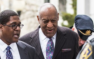 Bill Cosby ženski, ki ga obtožuje spolne zlorabe, plačal 3,4 milijona dolarjev