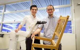 Singapurski znanstveniki izumili robota, ki sestavi Ikein stol v manj kot devetih minutah!