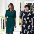 Vsi govorijo le še o zeleni obleki Melanie Trump
