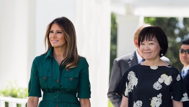 Vsi govorijo le še o zeleni obleki Melanie Trump (foto: Profimedia)