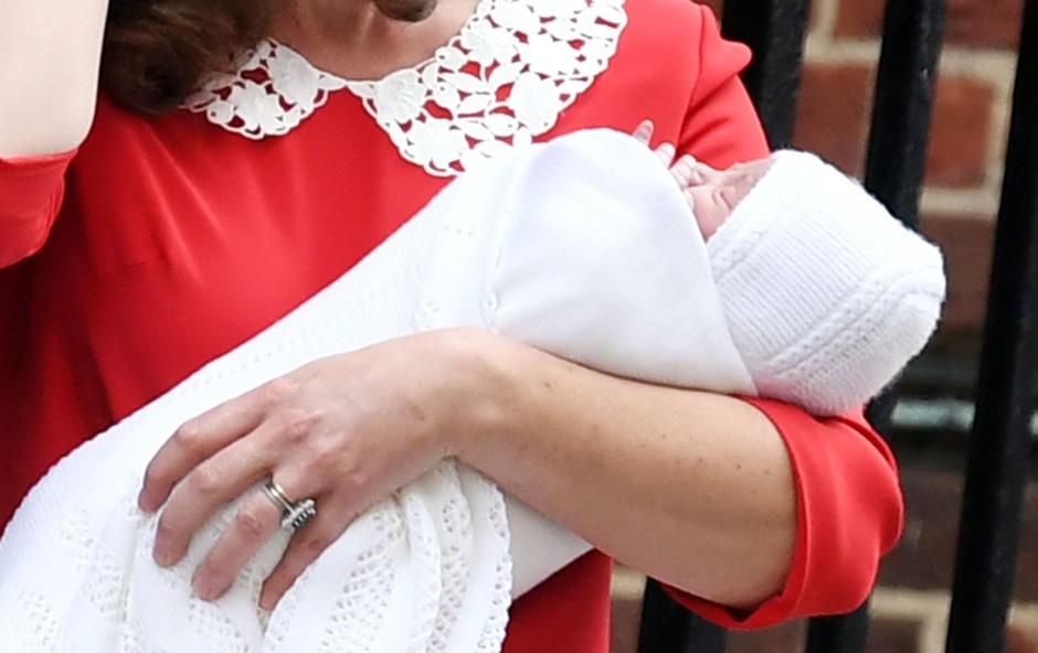 Poglejte si komaj rojenega britanskega princa! (foto: Profimedia)