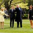 Melania Trump po travi lomila noge, Donald Trump pa tega ni niti opazil