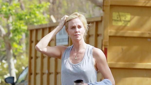 Charlize Theron se je naprej zredila za 23 kilogramov, danes pa cele dneve preživi v telovadnici (foto: Profimedia)