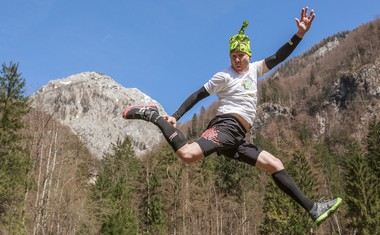 #StandUpMaratonec na Zlatorogovi poti: Gremo v hribe za botrstvo!