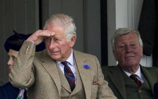 Princ Charles je šele zdaj prvič videl malega princa