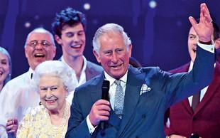 Kraljica Elizabeta se še vedno zna pošaliti!