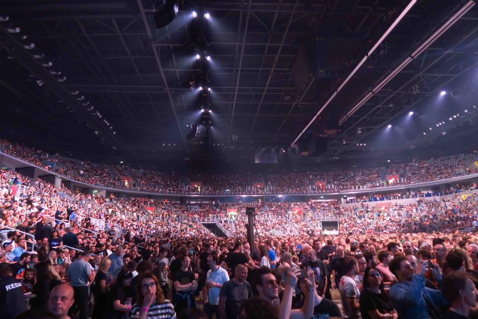 Več tisoč Slovencev ni želelo zamuditi spektakla Rogerja Watersa v Areni Zagreb! (foto: Goran Antley)