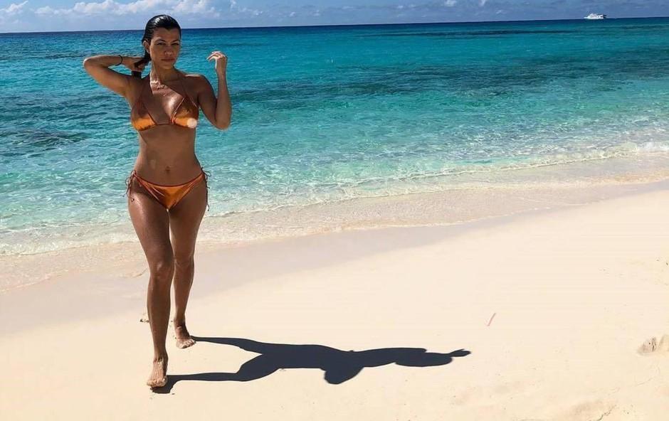 Kourtney Kardashian tehta zgolj 44 kilogramov (foto: Profimedia)