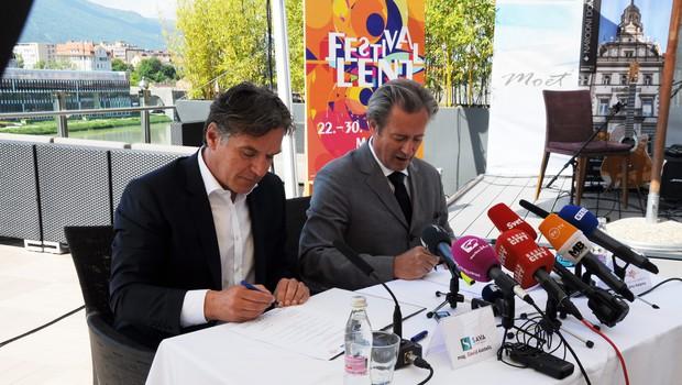 Z novinarske konference pred dnevi. (foto: Press)
