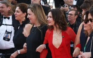 Ženske zahtevale enakopravnost na rdeči preprogi v Cannesu