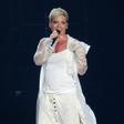 Pevka Pink je s sinom zaradi koronavirusa nekaj tednov preživela v samoizolaciji