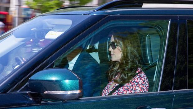 Fotografi prvič po porodu v objektiv ujeli Kate Middleton (foto: Profimedia)
