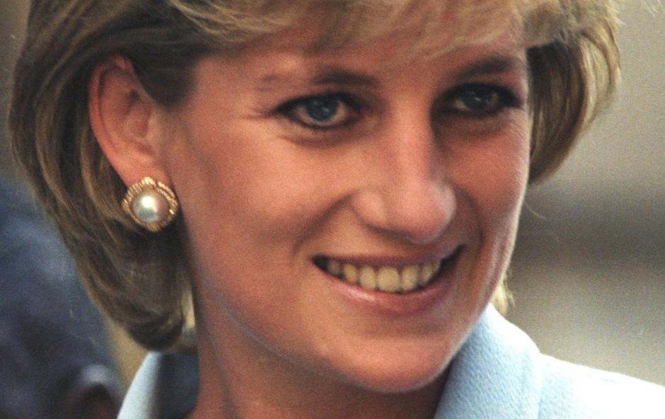 Princesa Diana po ločitvi nikoli več ni želela nositi oblek modne hiše Chanel (foto: Profimedia)