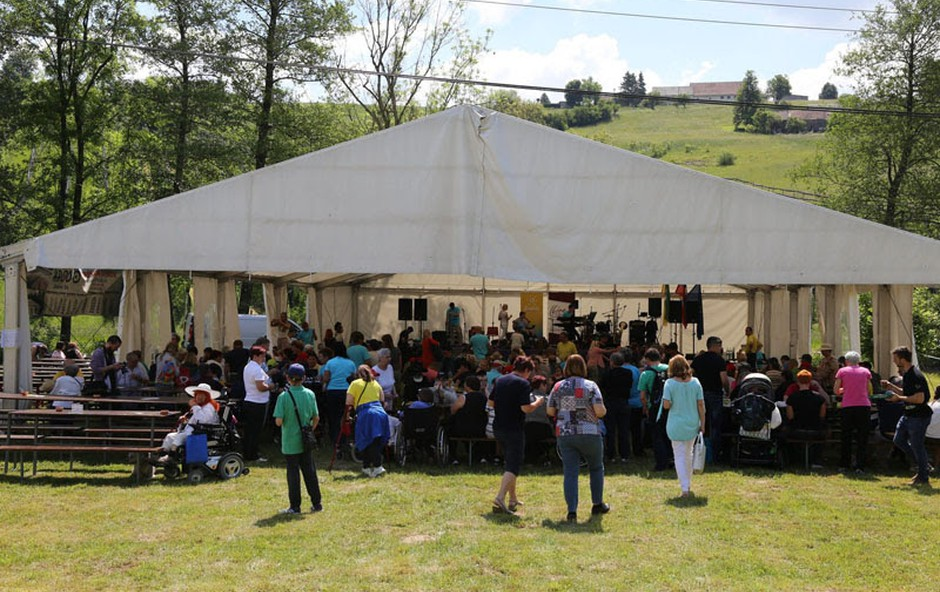 Vseslovensko srečanje članov društev Zveze Sonček in 35 obletnica Sončka na Dolenjskem (foto: press)