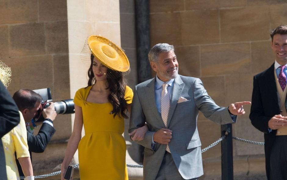 Amal Clooney je bila verjetno najlepša gostja kraljeve poroke (foto: Profimedia)