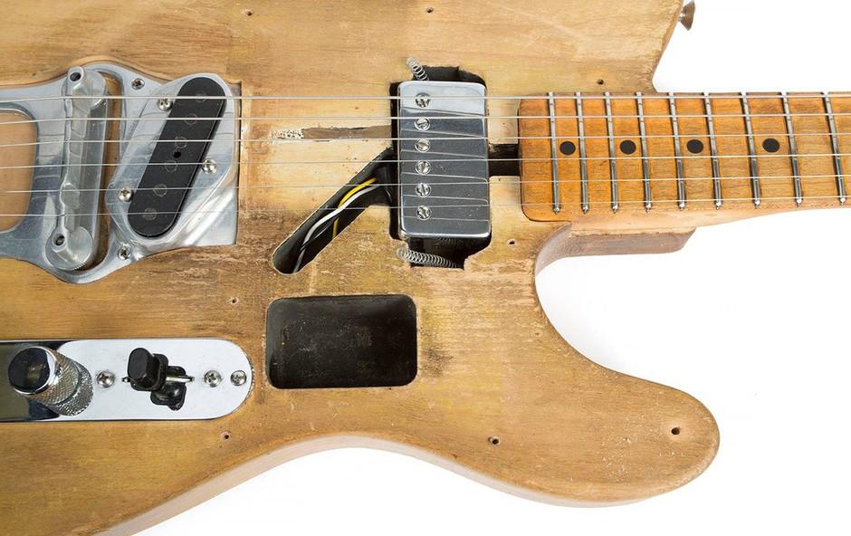 Za kitaro Boba Dylana iztržili skoraj pol milijona dolarjev (foto: profimedia)