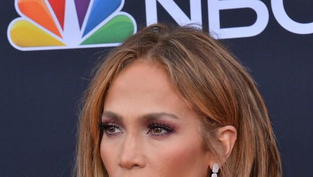 Pričeska Jennifer Lopez je v hipu postala modni hit (foto: Profimedia)