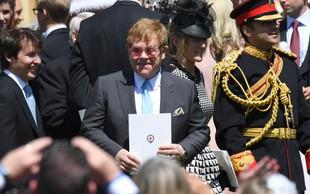 Vsi govorijo o tem, kaj je Elton John naredil po poljubu z Davidom Beckhamom