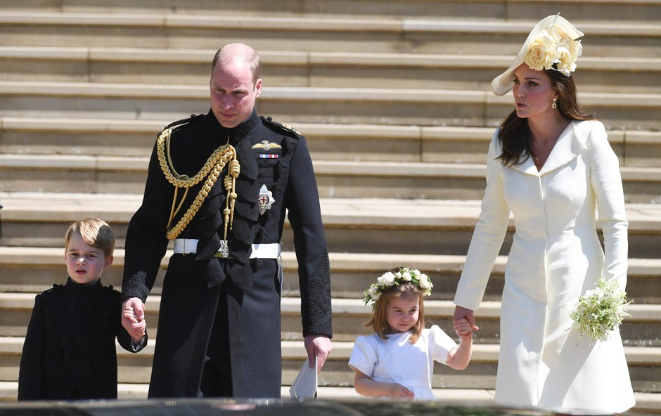 Poglejte si, kaj je princ William Kate Middleton podaril ob rojstvu malega princa (foto: Profimedia)
