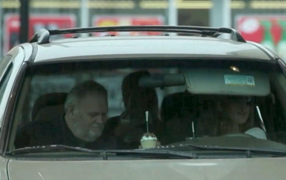 Oče Meghan Markle prvič po poroki ujet v javnosti (foto: Profimedia)