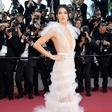 Kendall Jenner rada kaže prsi