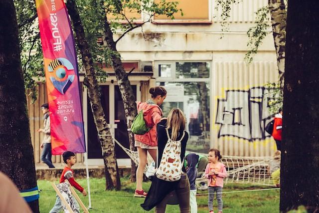 Urbani utrip pregnal dež s sladoledom (foto: Marko Delbello Ocepek)