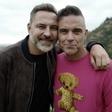 Robbie Williams bo sodeloval pri muzikalu po knjigi Davida Walliamsa