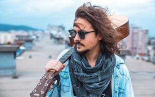 Kitarista in pevca Nejca Ušlakara najbolj impresionira Tomi Meglič