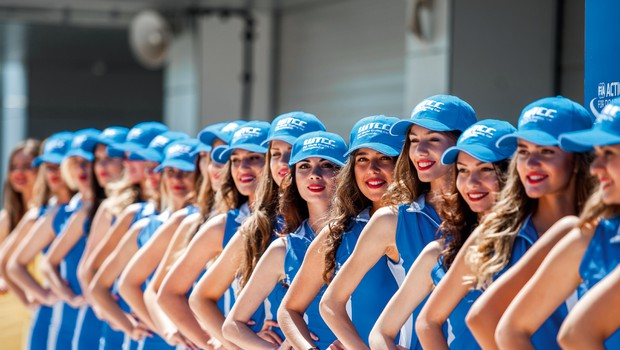 Ženske v dirkaškem športu: Od okrasa na startni vrsti do šefinj moštev (foto: shutterstock)