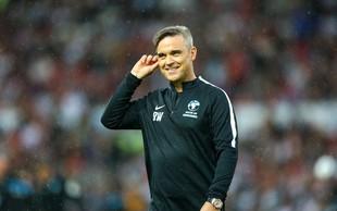 Robbie Williams bo s sopranistko Aido Garifullino pel na otvoritvi svetovnega prvenstva